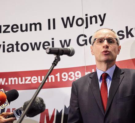 Wojna o Muzeum. Prof. Machcewicz: Zarzuty oddalono, Gliński powinien przeprosić