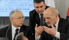 z20869629V,Antoni-Macierewicz--Jaroslaw-Kaczynski-i-Bartlomie