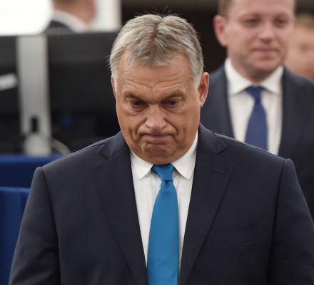 Pierwszy krok do rozwodu z Orbanem? Europejscy chadecy zawieszają Fidesz