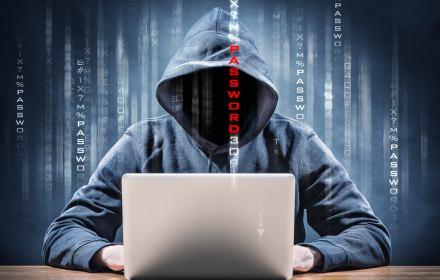 Miliardy fake'owych kont, boty na polskich portalach. Analiza kampanii do PE w sieci