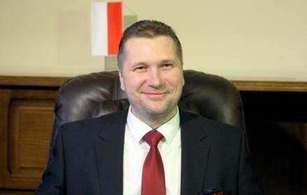 Czarnek - poseł elekt, homofob i seksista - z medalem UMCS. Rektor: Nie obchodząmnie jego poglądy