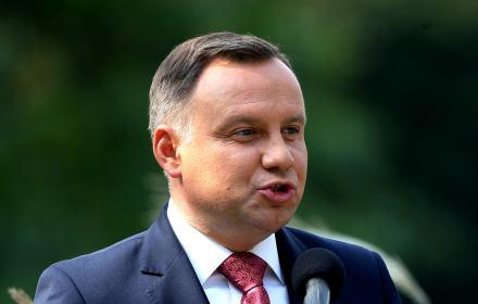 Polsce udało się zredukować emisję gazów cieplarnianych o 30% w stosunku do roku bazowego 1988 (wymaganie Protokołu z Kioto to 6%), zapewniając bezpieczeństwo energetyczne oraz rozwój przemysłu oparty na efektywnych technologiach węglowych.