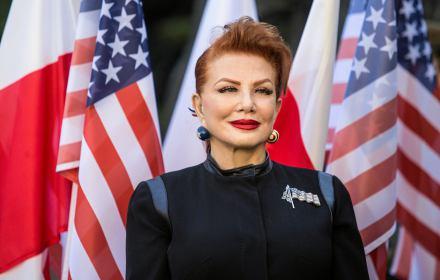 Fort LGBT. Ambasador USA przeciw homofobicznym naklejkom Sakiewicza. Rząd się oburza