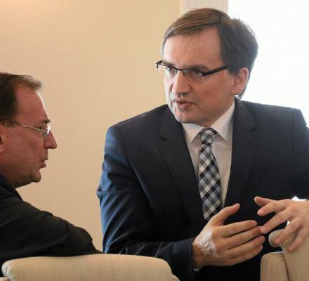 Profesor Piotrowski: Komisja śledcza w sprawie afery KNF jest jedynym rozwiązaniem