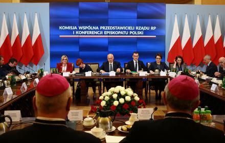 """PiS spowiada się biskupom: """"Rząd zadbał o to, by w żadnym dokumencie nie używano języka gender"""