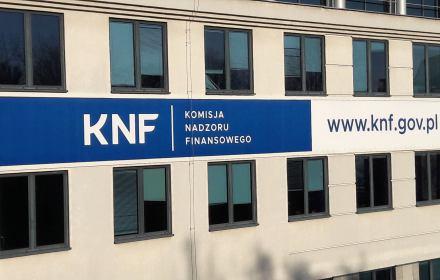 Czy afera KNF zatopi PiS, tak jak afera Rywina zatopiła SLD? Porównujemy