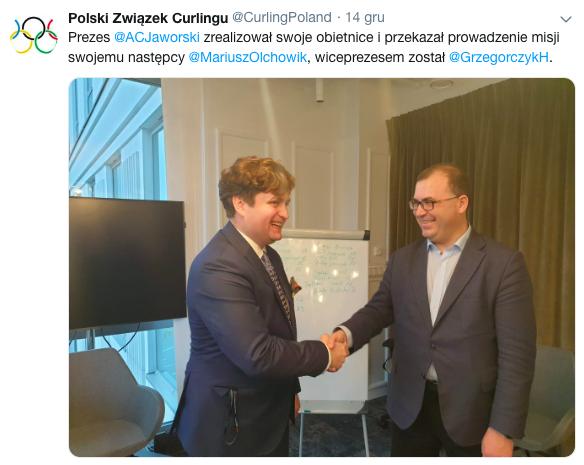 Odchodzący prezes gratuluje Olchowikowi, zdjęcie z oficialnego profilu związku.