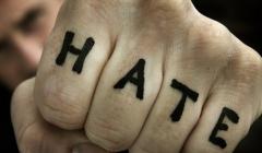 hate-pięść
