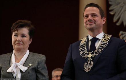 """Bonifikaty: Trzaskowski licytuje się z PiS na rozdawnictwo. """"Drenaż budżetu, zyskają uprzywilejowani"""""""