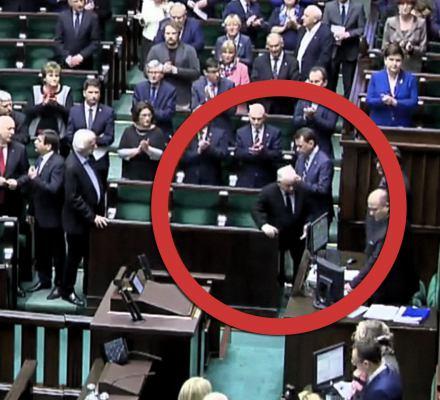 Wajda, Szczęsny, Adamowicz... Prezes Kaczyński wychodzi