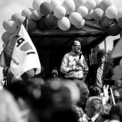 Paweł Adamowicz przemawia podczas Marszu Równości w Gdańsku