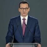 Premier Mateusz Morawiecki przemawia podczas obchodów 74 rocznicy wyzwolenia obozu Auschwitz-Birkenau, 27 I 2019