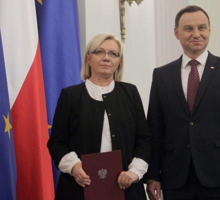 TK Julii Przyłębskiej ratuje z tarapatów rząd i prezydenta Dudę. Ignoruje Ziobrę
