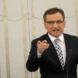 Nowe prawo Ziobry: może uderzać w niewygodne firmy i organizacje