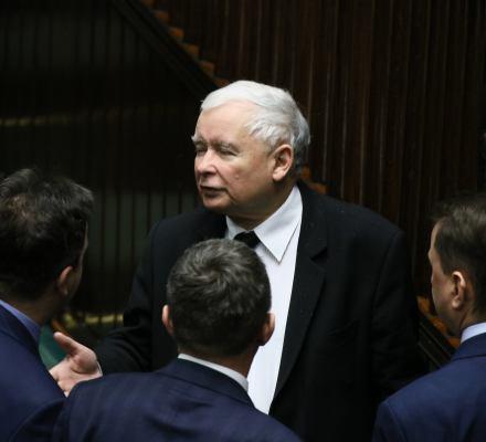 Kaczyński: opozycja atakuje dzieci. Brudziński nie będzie gonił suki do Brukseli. Kronika Skórzyńskiego (10-15 marca 2019)