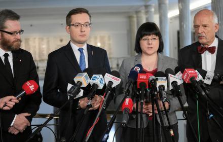 Kaja Godek z Korwinem, Winnickim, Liroyem i Braunem wybiera się do europarlamentu. PiS ma problem