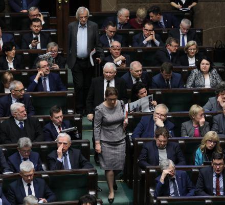Zabójstwo Adamowicza. Kaczyński na grobie brata. Kronika Skórzyńskiego (12-18 stycznia 2019)