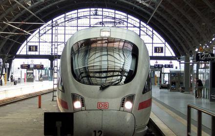 Pociąg Deutsche Bahn na stacji