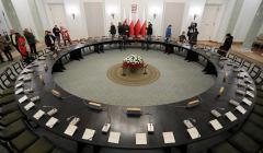 Okragly stol w Palacu Prezydenckim w Warszawie