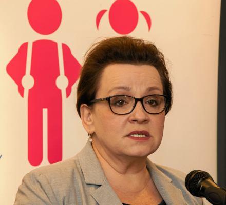 Zalewska w swoim świecie: Wszystko dobrze policzyliśmy, a NIK bierze udział w kampanii wyborczej