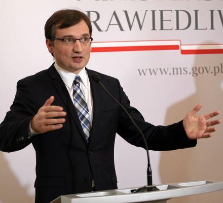 Drukarz nie obsłuży osób LGBT, za to Trybunał Konstytucyjny obsłuży Ziobrę