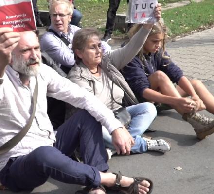 Blokada KRS umorzona. Sąd: Zamiarem było wyrażenie niezadowolenia ze zmian w sądownictwie