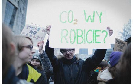 protest przeciwko działaniom polityków w sprawie ocieplenia klimatu