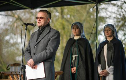 Siedlecka: Minister Sellin niczym krzyżowiec odbija ruch Solidarność z rąk pogan