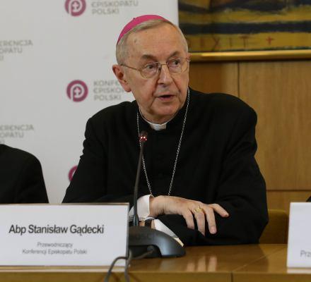 Świeccy katolicy do biskupów: Tęcza nie obraża! PiS zawłaszcza i Kościół, i Polskę