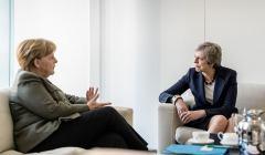 Merkel przyjmuje w swoim gabinecie May