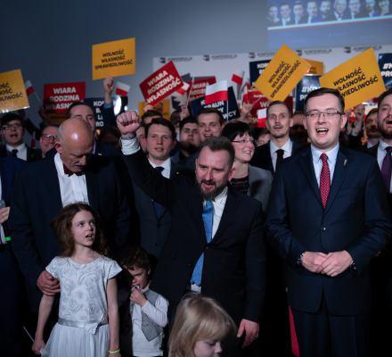 Konfederacja jak koń trojański. Antyaborcyjny nacjonalizm chce zniszczyć UE