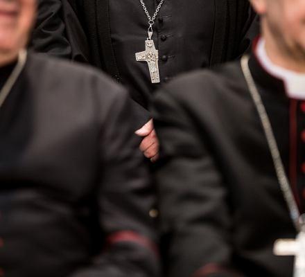 Polski Kościół sam się nie oczyści. Biskupi mają zbyt wiele do stracenia [ANALIZA]