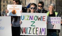 Protest poparcia w Lublinie dla strajkujacych nauczycieli