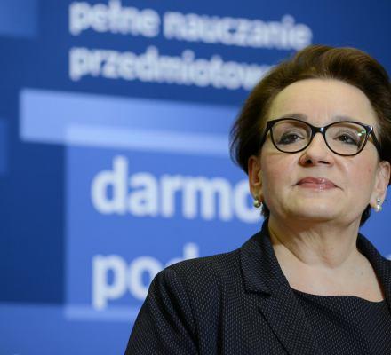 Bezczelność Zalewskiej: powodem irytacji nauczycieli jest polityka samorządów