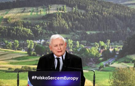 """Kaczyński: """"PiS jest partią wszystkich Polaków, ale też partią polskiej wsi"""". Kłamstewko w Kadzidle!"""