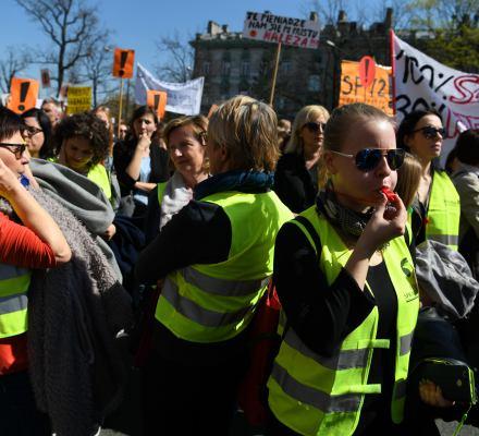 Broniarz: Min. Zalewska będzie miała sporo gości. O 11:00 pod MEN manifestacja. Autokary kontrolowane!