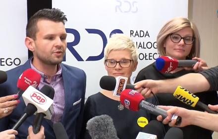Członkowie Ogólnopolskiego Międzyszkolnego Komitetu Strajkowego