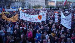Poparcie dla strajkujacych nauczycieli w Poznaniu