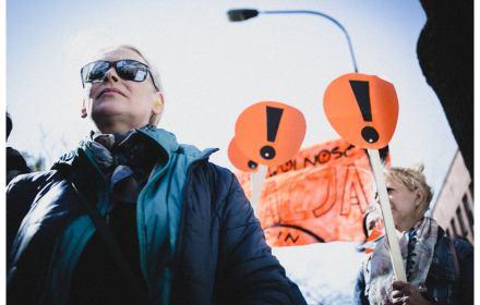 Protestujący nauczyciele pod MEN