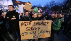 Demonstraacja poparcia dla strajku nauczycieli