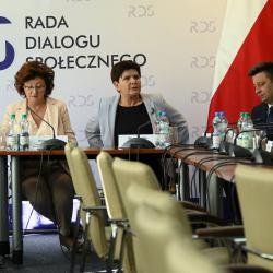 Beata Szydło podczas negocjaacji z nauczycielami