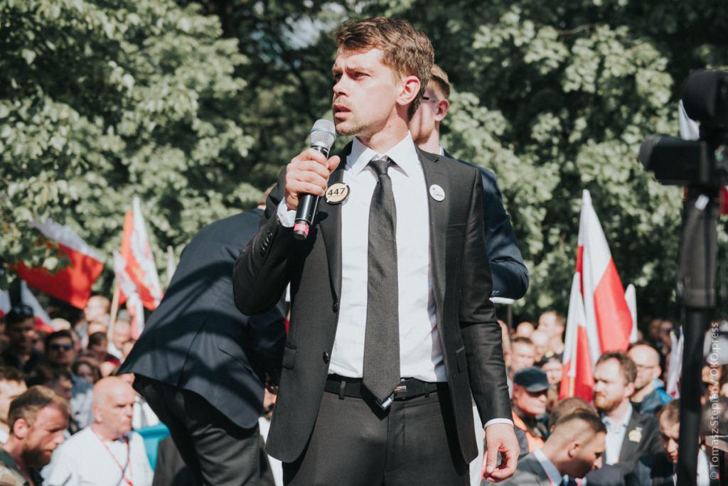 Zdjęcie z protestu przeciw 447