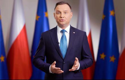 Minister Ardanowski oraz Główny Lek. Weterynarii szukają szczęśliwego rozwiązania dla stada z Deszczna. Jestem pewien, że je znajdą, mimo, że przepisy UE nakazują zabić te zwierzęta.
