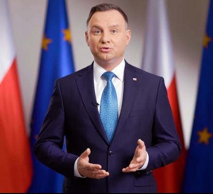 """""""Unia Europejska to my"""" – odkrył nagle Duda. Przez lata marudził, że Europa to """"oni"""""""
