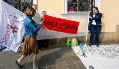 protest hańba biskupia