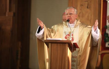 Odwołać abp. Jędraszewskiego. Protest pod Nuncjaturą Apostolską