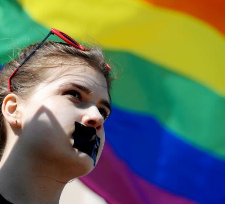 Polska na dnie UE. Rząd PiS nie toleruje osób LGBT+, choć tolerancja Polaków rośnie [ranking]
