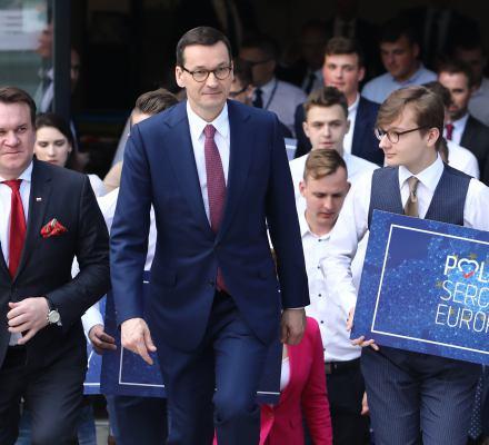 Morawiecki obiecuje pieniądze części osób z niepełnosprawnością. Nie wiadomo komu, kiedy i ile