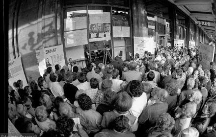Dwie trzecie Polaków uważa wybory 4 czerwca 1989 roku za sukces. Porażka narracji o zdradzie