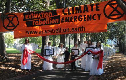 Climate Angels at Extinction Rebellion Declaration Day Melbourne, 22 marca 2019 fot. Takver (cc) flickr.com